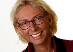 Esther Hovenier